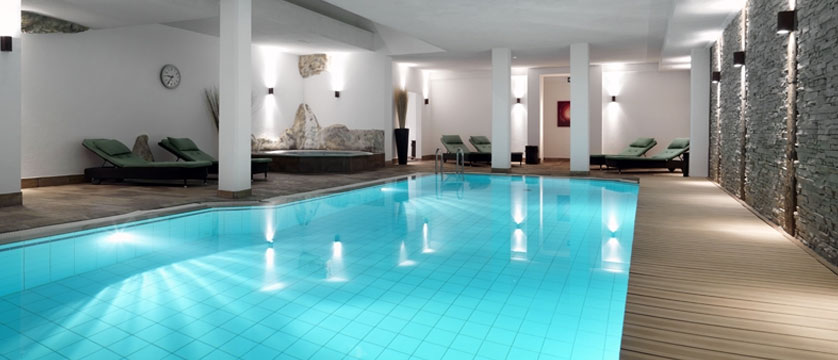 Hotel Schweizerhof Gourmet & Spa,Saas-Fee, Switzerland -  indoor pool.jpg